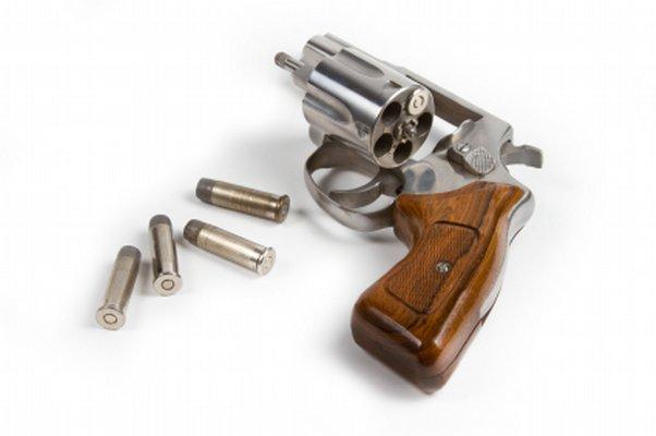 Gun - revolver